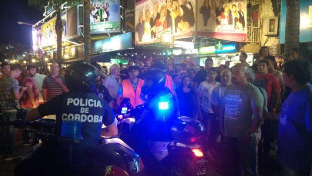Pánico en Carlos Paz: Una estampida en pleno centro tras una pelea