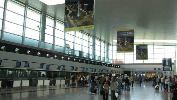 Creció un 5,7% el arribo por avión de turistas extranjeros en agosto