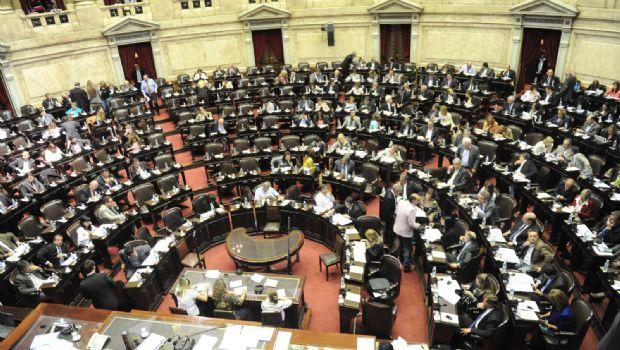 El oficialismo busca mañana aprobar la Ley, y la CGT y la Izquierda protestarán
