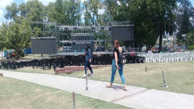 Carlos Paz abrirá la temporada con un festival de glamour, color y ritmo
