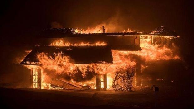 Desalojaron a  600 familias por incendios en California