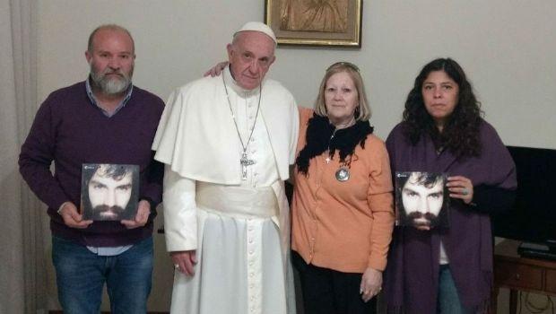 Francisco se reunió con la familia de Santiago Maldonado