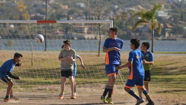Más de 150 jóvenes en el Encuentro Recreativo de Fútbol