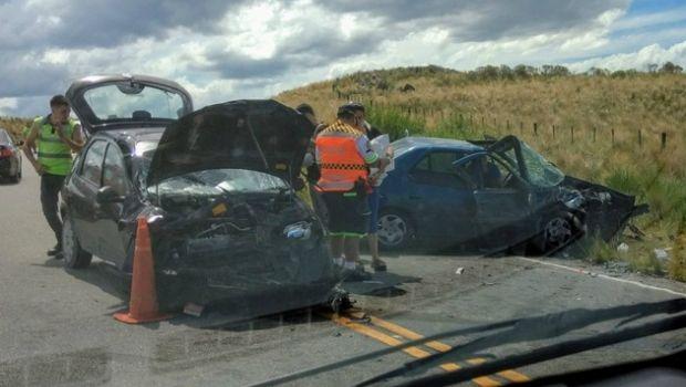 Se accidentaron dos autos en el Camino del Cuadrado